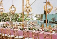Cùng ngắm 8 kiểu đèn chùm tâm điểm cho đám cưới